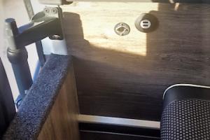 Enchufes USB y 220v